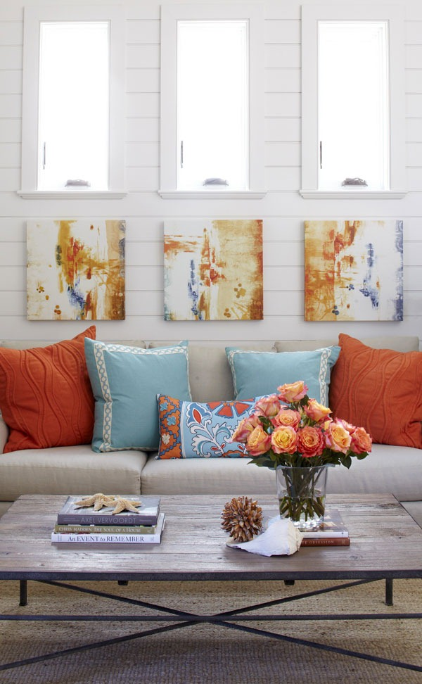 Living room design in soft colors with bright accents for Bright color living room ideas