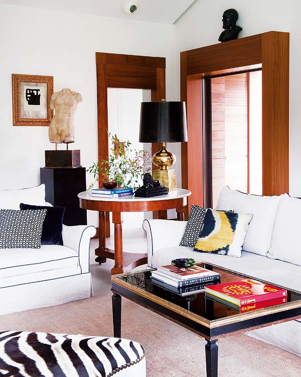 living room in eclectic style